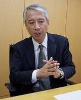 インタビューに応える武元康明さん=2014年5月19日、尾村洋介撮影