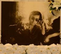 野坂昭如さんの遺影=東京都港区の青山葬儀所で2015年12月19日