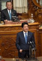 北朝鮮核実験に対する抗議決議の採択後、「決して容認できない」と非難する安倍晋三首相=参院本会議で8日午後、藤井太郎撮影
