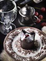 黒い森の名を持つアルザス地方の定番ケーキ、フォレ・ノワール =撮影・石丸直人/コーディネート・田中夕香子