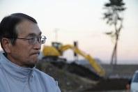 町長を1期で退くことになった碇川豊さん。「キャンバスの下地はつくった。色を塗れない無念さはある」とつぶやいた=岩手県大槌町で、竹内良和撮影
