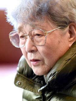 Sakie Yokota, mother of abductee Megumi Yokota, speaks to reporters in Kawasaki, on Feb. 13, 2016. (Mainichi)