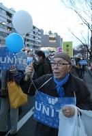 高校生らで作る団体「T-ns SOWL」が呼びかけた安保法制反対デモに参加した男性=東京都渋谷区で2016年2月21日午後5時24分、後藤由耶撮影