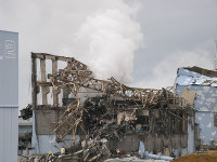 事故直後の福島第1原発3号機=2011年3月15日、東京電力提供