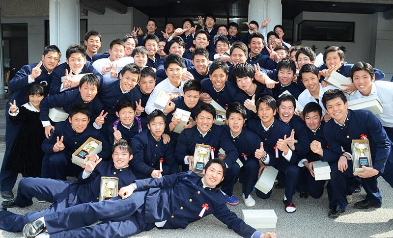 明徳義塾高校の偏差値・学費や寮を確認!野球 …