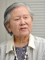 「原爆に苦しめられ続けている」と振り返る寺前妙子さん=山田尚弘撮影