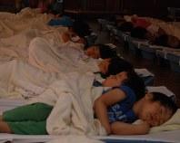 すやすやと眠る子どもたち=東京都内の保育園で(画像を一部加工しています)