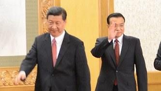 中国の習近平国家主席(左)と李克強首相=2012年11月、隅俊之撮影