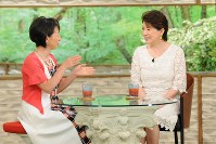 """<プロフィル>森昌子(もり・まさこ) 1958年、栃木県生まれ。1971年、「スター誕生!」の初代グランドチャンピオン。翌年「せんせい」で歌手デビュー。1985年、「NHK紅白歌合戦」出演史上2人目となる""""司会+トリ""""を務める。1986年、結婚のため引退。森進一と結婚。2005年、離婚。翌年、歌手活動を再開し20年ぶりに「NHK紅白歌合戦」に出場。2010年、子宮頸がん治療のため、子宮を全摘出手術。2015年、60枚目のシングル「惚れさせ上手」を発売。"""