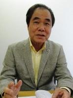 瑞慶山茂氏