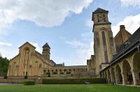 フランス革命で破壊された後に再建されたオルバル大修道院