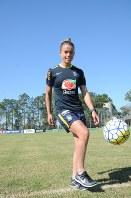 リオデジャネイロ五輪のブラジル女子代表候補のタミレス。ブラジルの女子サッカーの歴史を変えようと意気込む