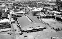 完成したばかりの大阪市中央体育館=1959年7月5日撮影
