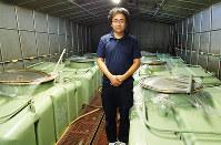 社員杜氏として「貴生娘」を醸す専務の原一郎さん=滋賀県甲賀市水口町三大寺で、山本直撮影