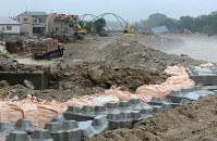 台風10号で被災し、復旧工事が行われているペケレベツ川=清水町で6日、手塚耕一郎撮影