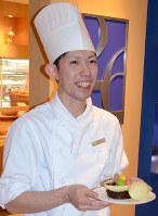 グランドハイアット福岡でパティシエとして活躍する吉村さん=福岡市博多区で、神崎修一撮影