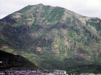乱伐された茂山郡の山。洪水が発生する原因の一つだ=2010年7月撮影、アジアプレス提供