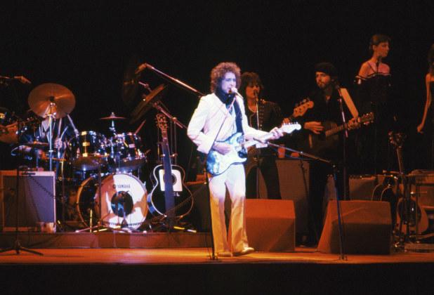 東京・日本武道館で行われたボブ・ディランの日本初公演=1978(昭和53)年2月20日