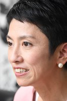 「もちろん首相を目指します」と公言する民進党の蓮舫代表=東京都千代田区の民進党本部で2016年10月6日、根岸基弘撮影