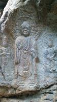 伽耶山磨崖如来三尊像は1959年に発見された。山道が整備され、ここを訪れる人が絶えない=金光敏撮影