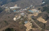 The Japan Atomic Energy Agency's Ningyo-toge Environmental Engineering Center in Kagamino, Okayama Prefecture, is pictured in this May 2013 file photo. (Mainichi)