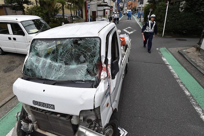 【神奈川】登校の列に車、小1男児が死亡 横浜、児童8人けが ★3©2ch.net YouTube動画>9本 ->画像>64枚
