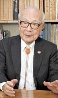 日本被団協事務局長として、核廃絶運動に奔走する田中熙巳さん=東京都港区で2016年10月