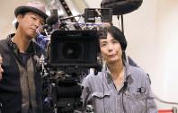 撮影監督の百々新さん(左)と河瀬直美監督
