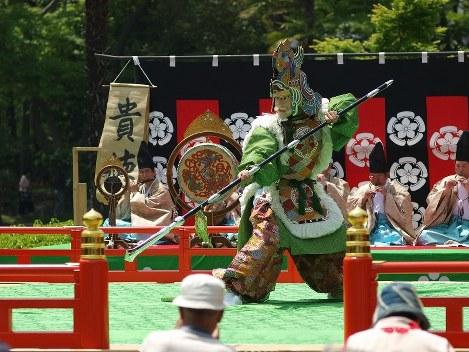 Glimpses of Japan: Ancient court dances (8)