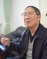 北京でインタビューに応じる胡徳華氏