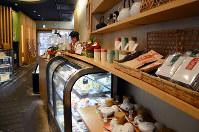 「土佐茶カフェ」は土佐茶の魅力を全国に発信=高知市帯屋町2で、岩間理紀撮影