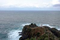 城山の遊歩道を抜けた矢城ケ鼻(やじょうがはな)から望む日本海=兵庫県新温泉町で、関雄輔撮影