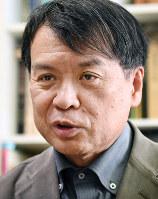 インタビューに答える片渕須直監督=東京都杉並区で2016年12月7日、藤井太郎撮影