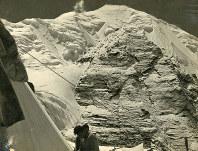第1キャンプ(約5300メートル)からのぞむナンダ・コートの雄姿。ヒマラヤへの道を切り開いた快挙は時代を超えて語り継がれる