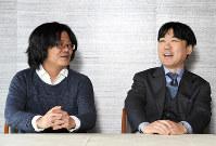 対談する北田暁大・東大教授(左)と井上寿一・学習院大学長=東京都千代田区で