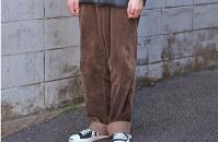 デニムに代わり、古着の着用者が増えているコーデュロイ=日本ファッション協会提供