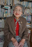 経済学者で大阪市立大名誉教授の竹中恵美子さん=大阪市内で2017年2月、反橋希美撮影