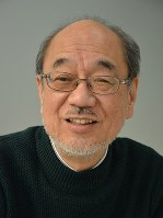 嶺井正也専修大教授