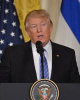 共同記者会見で質問に答えるトランプ米大統領=米ホワイトハウスで2017年2月15日、西田進一郎撮影