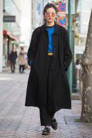 この秋冬のレディースは、メンズライクなパンツスタイルが人気だった=日本ファッション協会提供