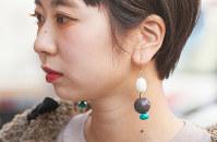 ストリートで人気の「ST, CAT」のイヤリング=日本ファッション協会提供