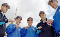 甲子園のマウンドでも平常心を保つため「チュンチュン」した呉の選手たち=兵庫県西宮市で、竹下理子撮影