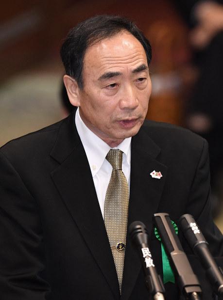 Moritomo Gakuen Chairman Yasunori Kagoike gives sworn testimony at a March 23, 2017 House of Councillors Budget Committee meeting. (Mainichi)