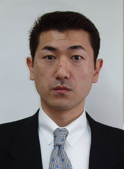 Senior Vice internal affairs minister Jiro Akama (Mainichi)