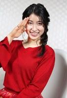 映画「PとJK」に主演する女優の土屋太鳳=大阪市浪速区で、梅田麻衣子撮影