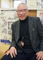 メディカルイラストレーターのレオン佐久間さん=岡山県倉敷市松島の川崎医療福祉大学で、小林一彦撮影