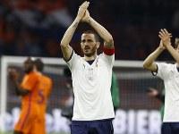 オランダ戦で逆転ゴールを決めたボヌッチ [写真]=VI-Images via Getty Images