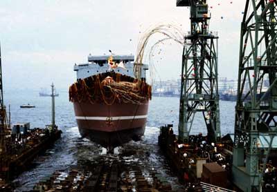 日本初の原子力船「むつ」の進水式=昭和44(1969)年6月12日撮影