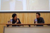 「日本の選挙」をテーマに対談した家入一真さんと想田和弘監督=2014年4月14日、尾村洋介撮影