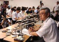記者会見をする加賀屋悟・理研広報室長=文科省で2014年8月5日、小出洋平撮影